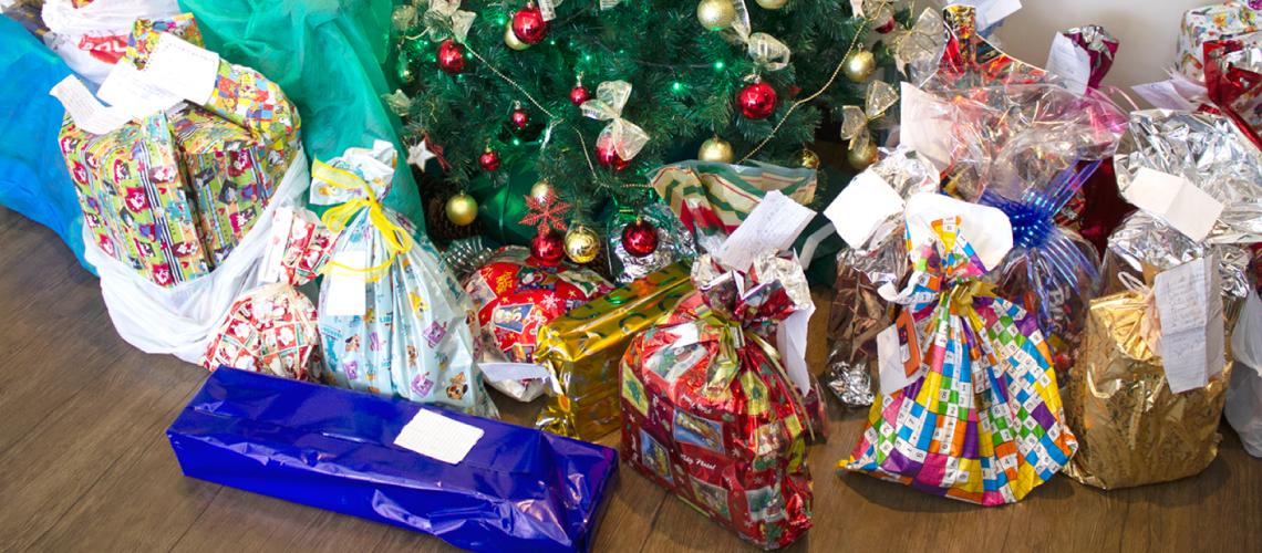 Colaboradores da System adotam cartinhas de crianças carentes ao Papai Noel